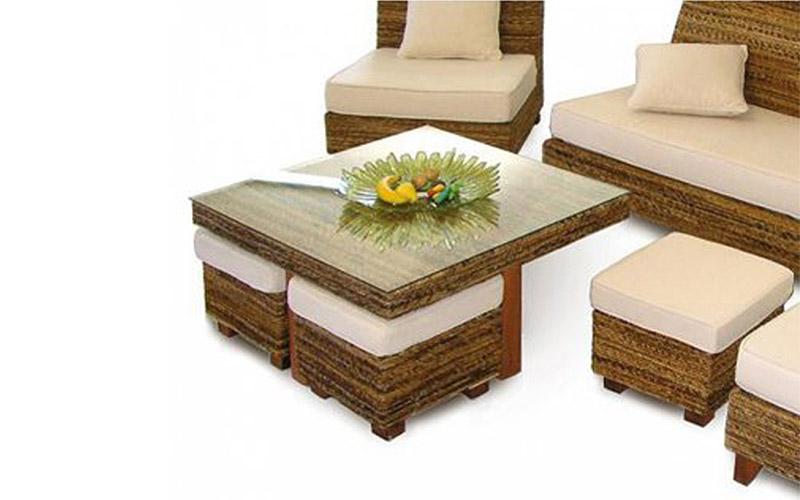 Set tavolino da giardino + 4 pouff