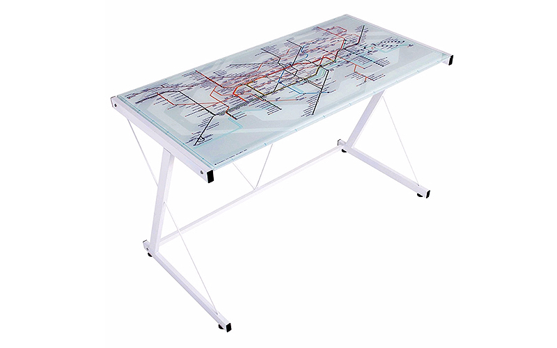 scrivania con piano in vetro con disegno metropolitana di Londra